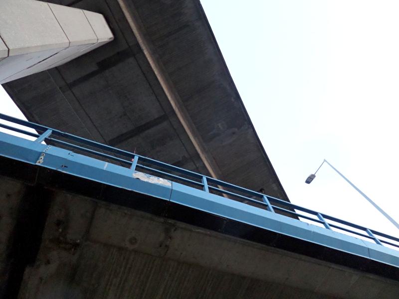 Brücken mit Lampe