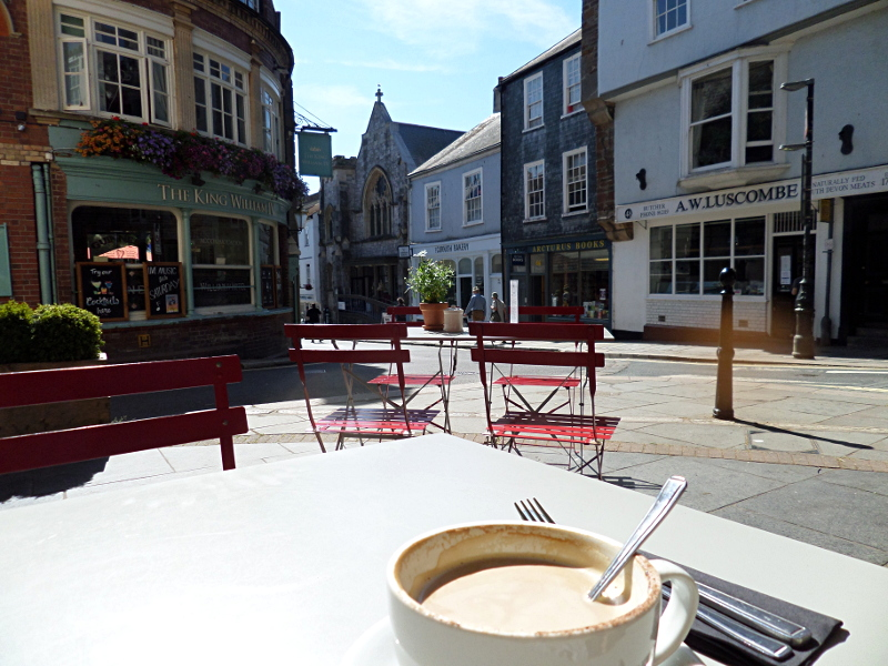 Breakfast in Totnes, High Street