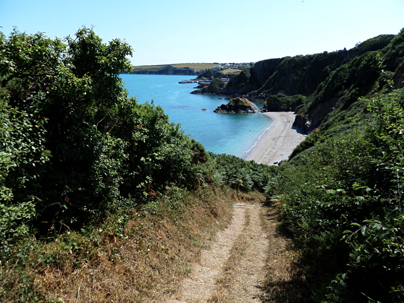 Blick vom South West Coast Path zum Polstreath Beach