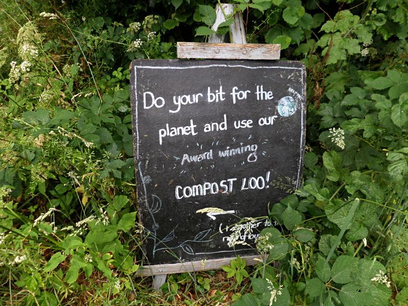 Monkton Wyld Court, Hinweisschild zur Komposttoilette