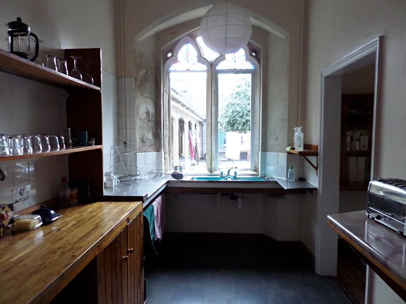 Monkton Wyld Court, Visitors Kitchen, Blick in den Innenhof