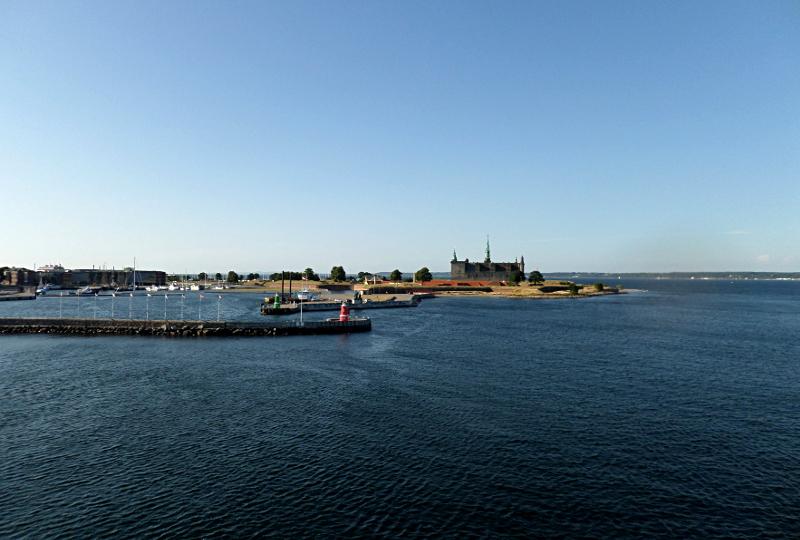 Blick von der Fähre nach Schweden zu Hamlets Kronborg