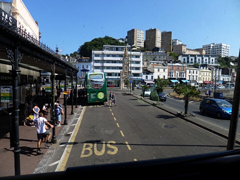 Torquay, Busstation im Hafen