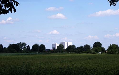 Zwei Megatürme in Gross-Enzersdorf